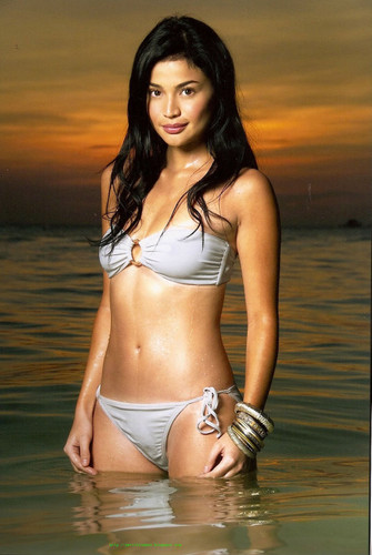 Annecurtis1